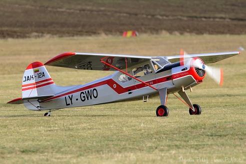 Jak-12A