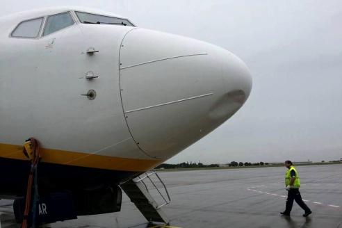 Letadlo po srážce s dronem