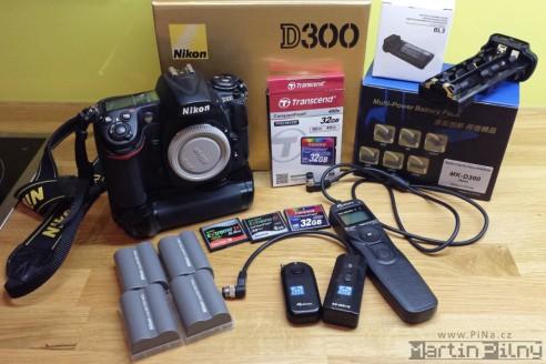 Nikon D300 s příslušenstvím